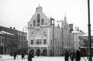 Ratusz w Rzeszowie, widok ogólny zimą, rok 1941-02