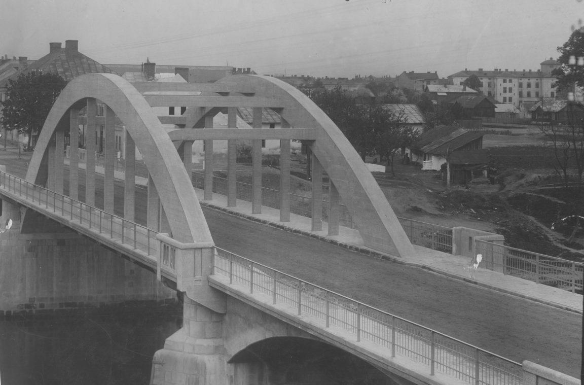 Rzeszow, most drogowy na Wisłoku